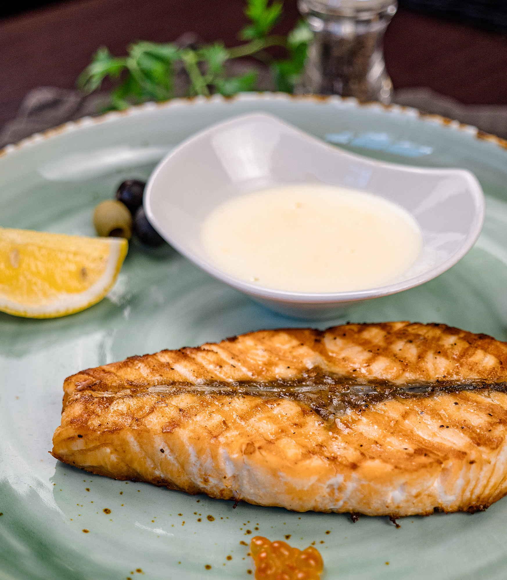 Лосось под сливочно-икорным соусом доставка в Орле ресторан Лабиринт