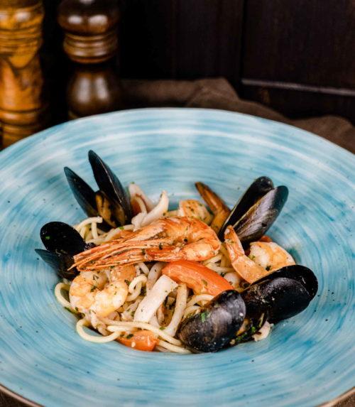 Паста из морепродуктов доставка из ресторана лабиринт в орле обеды