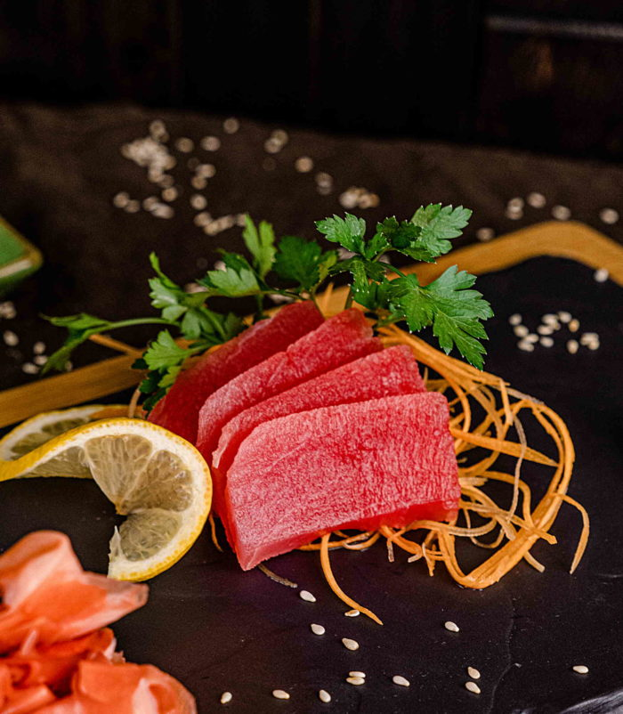 Сашими Тунец доставка суши роллов в Орле ресторан Лабиринт