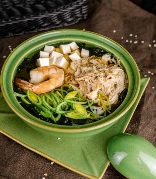 Суп Суимоно доставка суши роллов в Орле ресторан Лабиринт