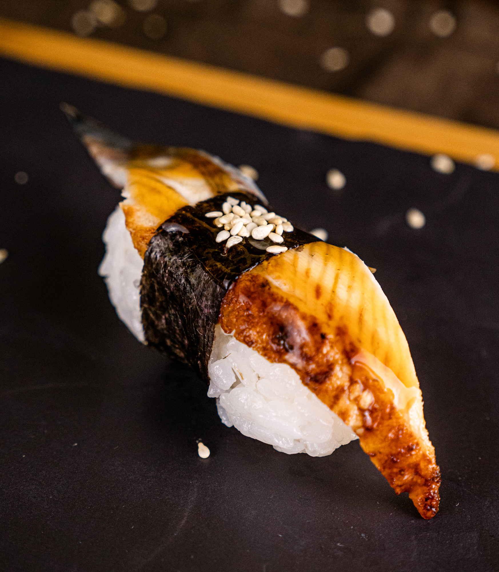 Суши Угорь доставка суши роллов в Орле ресторан Лабиринт