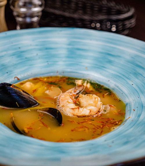 Уха из морепродуктов доставка в Орле ресторан Лабиринт