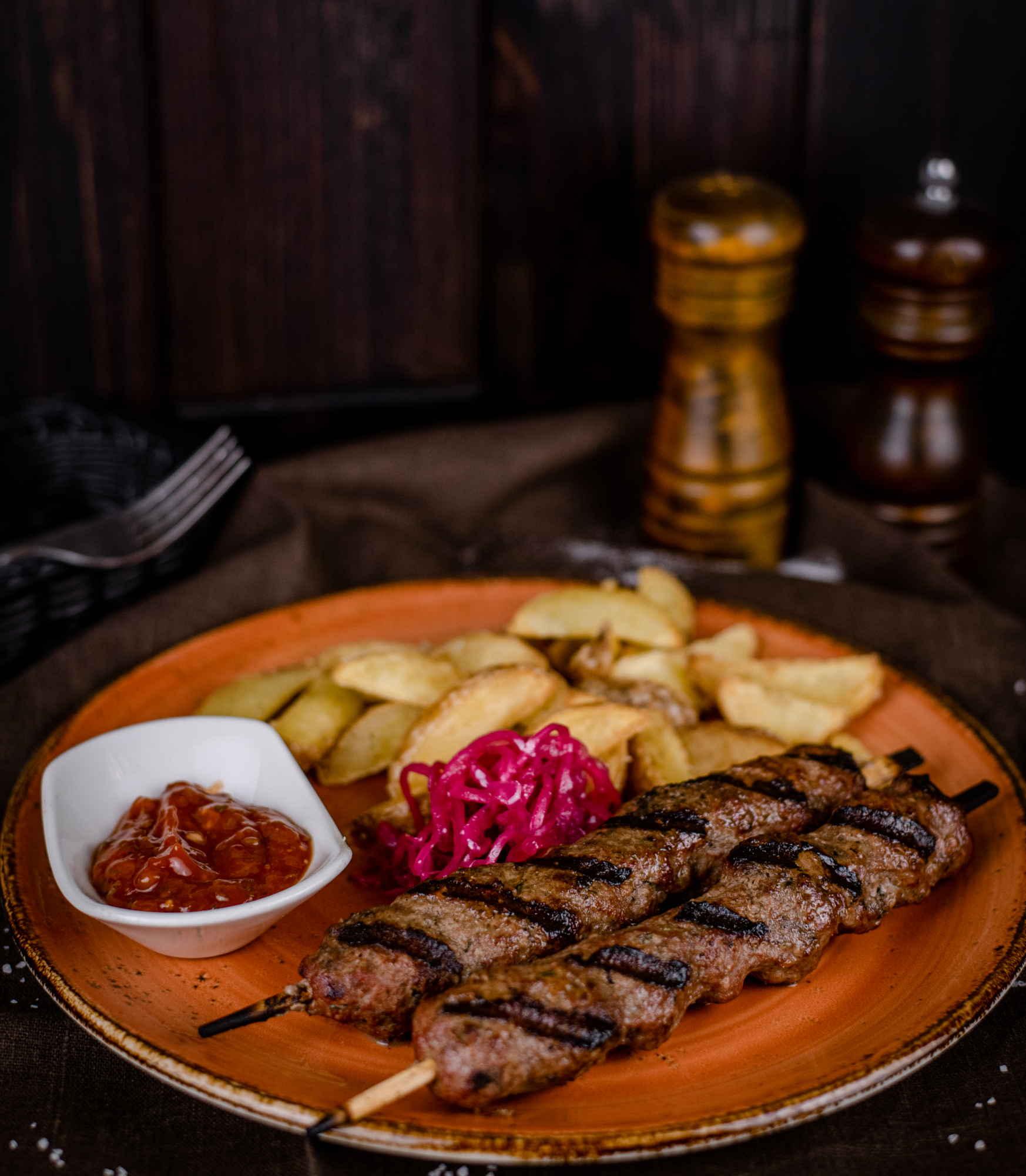 Люля-кебаб из баранины и говядины доставка ресторан лабиринт в Орле банкеты