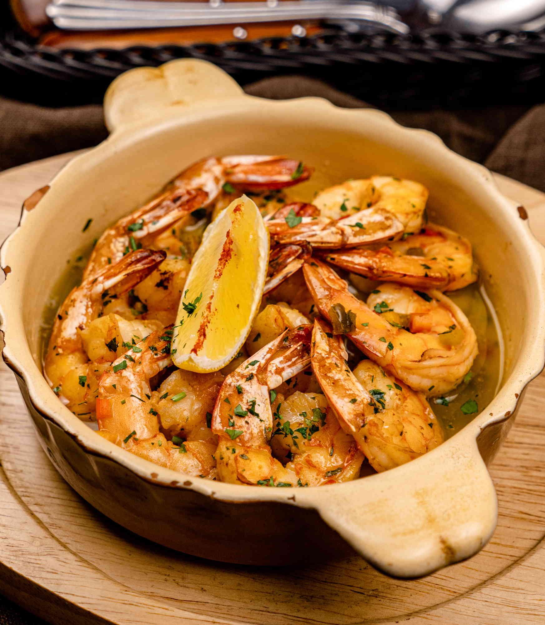 Отварные креветки с чесночным соусом доставка в Орле ресторан Лабиринт