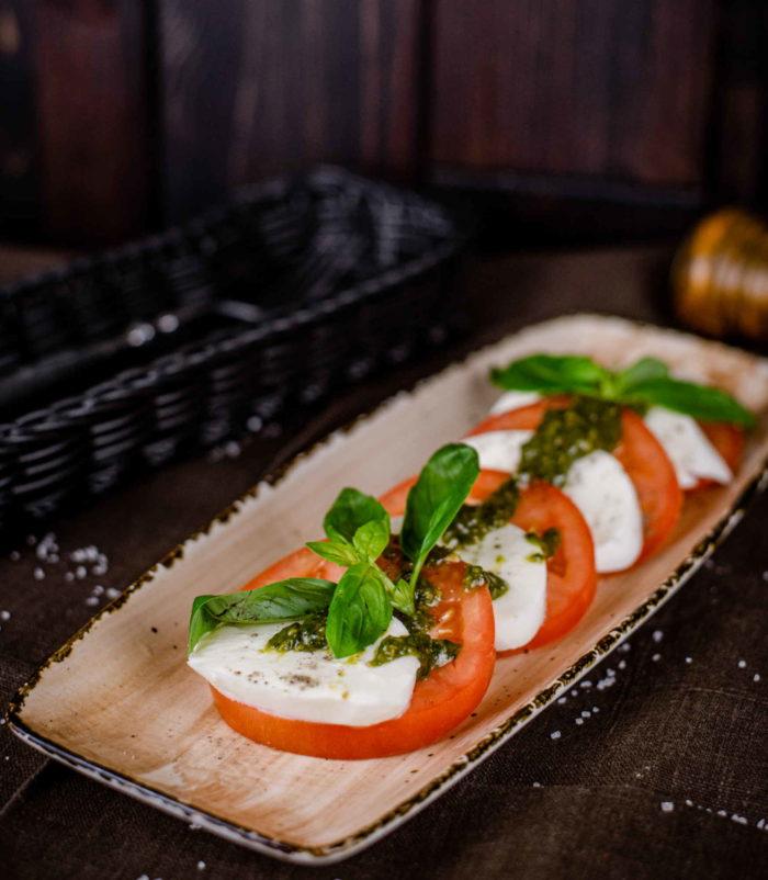 Салат Капрезе доставка ресторан лабиринт в Орле обеды