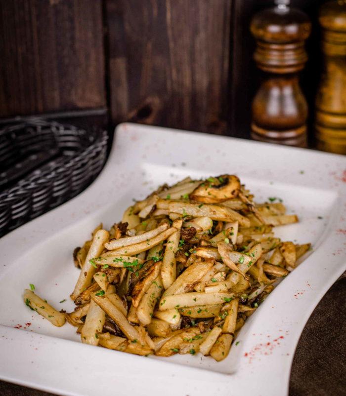 Жареный картофель с грибами доставка ресторан лабиринт в Орле